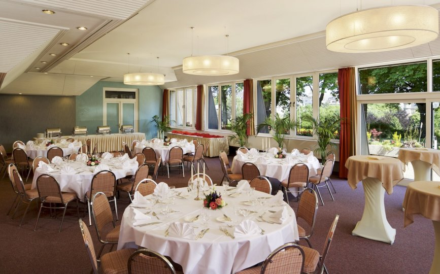 H tel parc plaza goeres hotels luxembourg groupe hotelier for Equipement salle restaurant